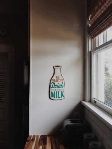 Drink pure fresh milk: Laurel, MS